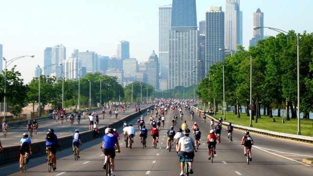 chicago-bike-the-drive-crop_0.jpg